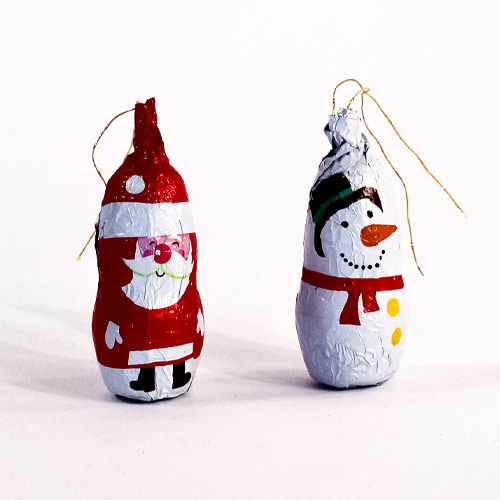 Assorted Bonds Santa & Snowman Christmas Chocolate Tree Decorations Drum Vegetarian Sweet 15g Product Image