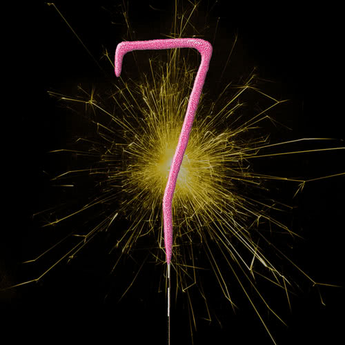 Pink Number 7 Non Hand Held Sparkler - 18cm Product Image