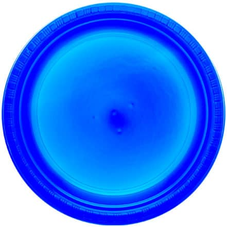 True Blue Round Plastic Plates 23cm - Pack of 20