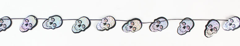 halloween-holographic-garland-hanging-decoration-240cm-skull-product-image